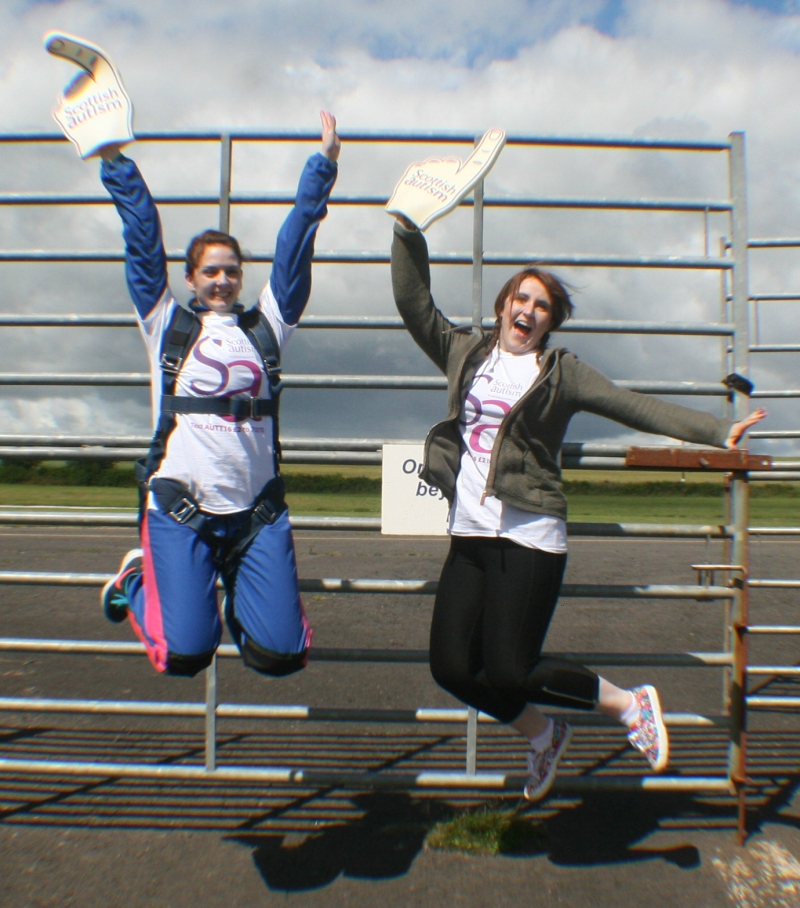 Joanne & Ailsa Skydive